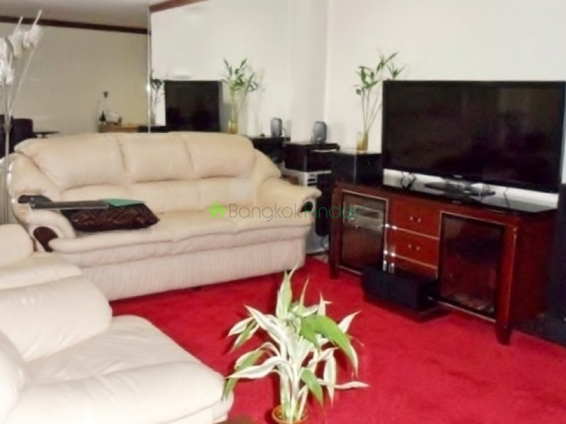 Ploenchit,Bangkok,Thailand,3 Bedrooms Bedrooms,2 BathroomsBathrooms,Condo,Somkid Garden,Ploenchit,5390