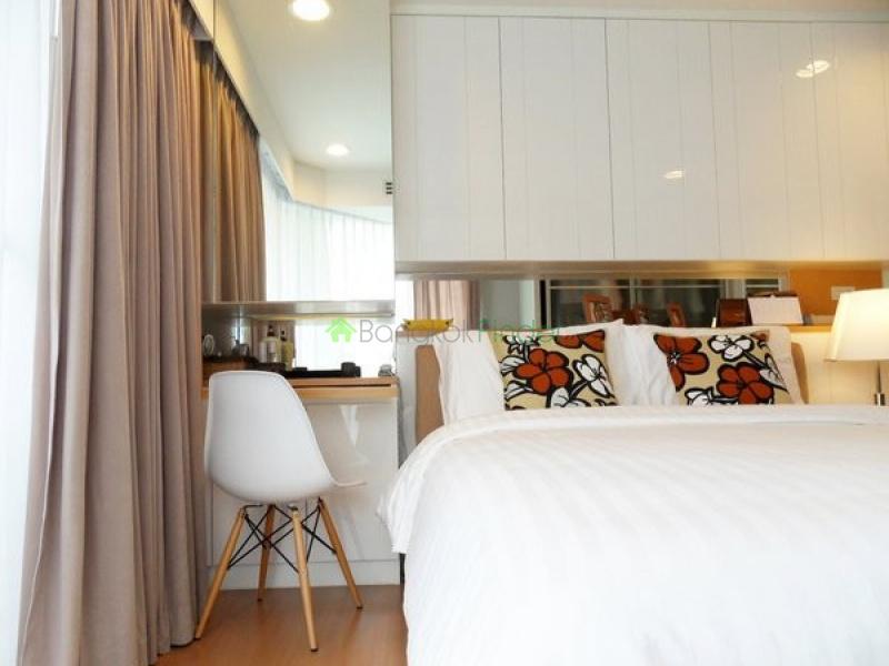 1 Silom,Sala Daeng,Bangkok,Thailand,3 Bedrooms Bedrooms,3 BathroomsBathrooms,Condo,Silom,5476