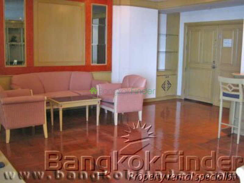 7 Phaholyothin,Aree-Phaholyothin,Bangkok,Thailand,3 Bedrooms Bedrooms,3 BathroomsBathrooms,Condo,Baan Yoswadi,Phaholyothin,5485