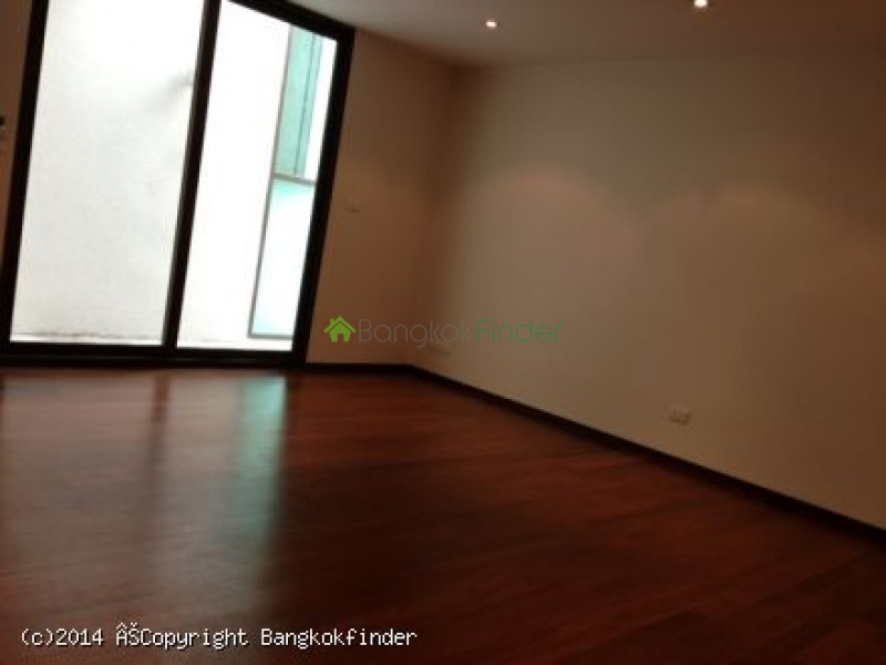 Sathorn, Sathorn, Thailand, 3 Bedrooms Bedrooms, ,3 BathroomsBathrooms,Condo,For Rent,Baan Lux,Sathorn,5653