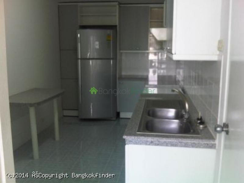 3 Sukhumvit,Nana,Thailand,2 Bedrooms Bedrooms,3 BathroomsBathrooms,Condo,Fourwings Mansion,Sukhumvit,5674