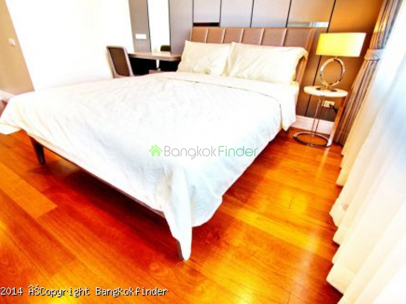 24 Sukhumvit, Phrom Phong, Thailand, 3 Bedrooms Bedrooms, ,3 BathroomsBathrooms,Condo,For Rent,Bright Sukhumvit 24,24 Sukhumvit,5746