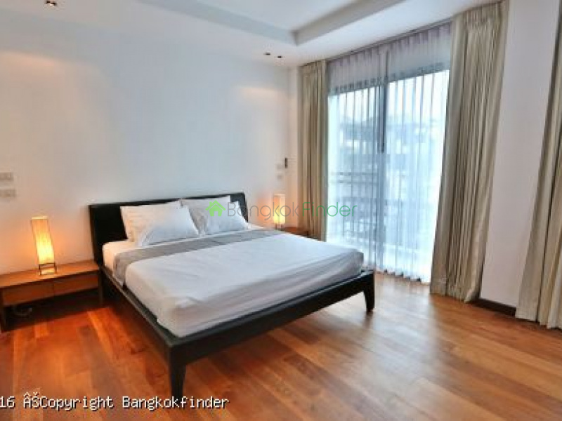 Phrom Phong, Thailand, 3 Bedrooms Bedrooms, ,4 BathroomsBathrooms,House,For Rent,5761