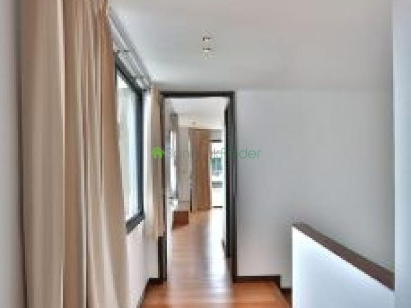 Thailand,3 Bedrooms Bedrooms,4 BathroomsBathrooms,House,5761