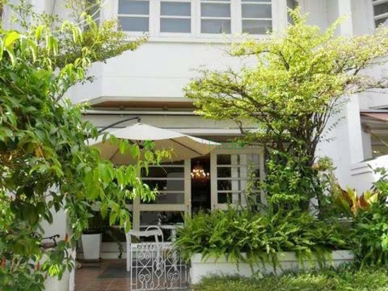 Sukhumvit-Phrom Phong,Bangkok,Thailand,4 Bedrooms Bedrooms,4 BathroomsBathrooms,Town House,5785