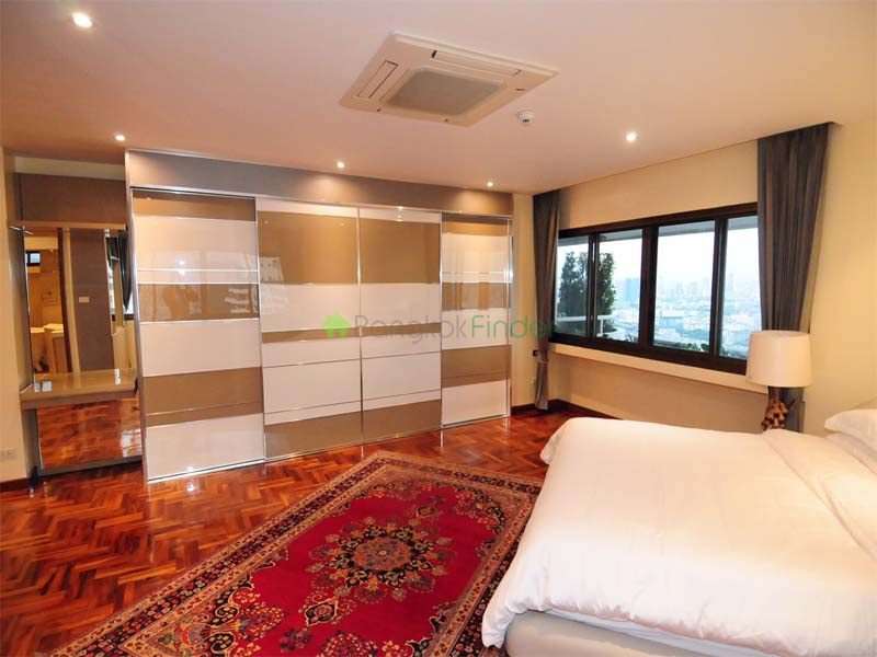 3 Bedroom condo,3 Bathrooms,Condo soi 11 ,5793,