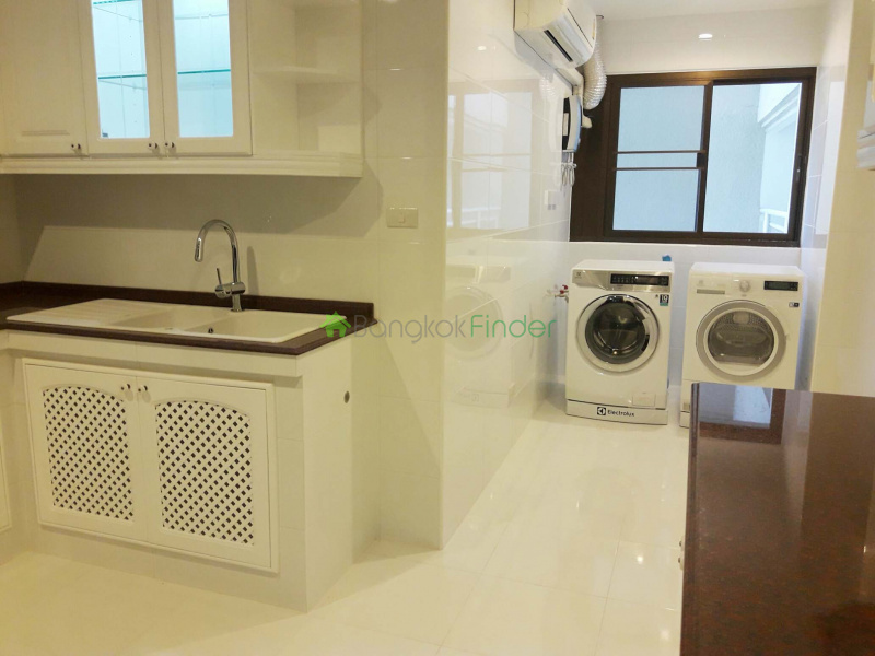 Nana, Bangkok, Thailand, 4 Bedrooms Bedrooms, ,4 BathroomsBathrooms,Condo,For Rent,Tower Park,5798