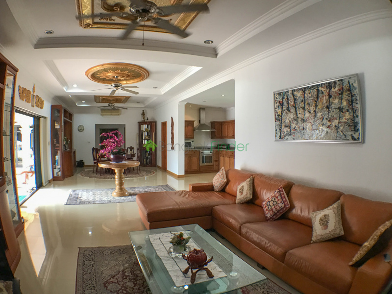 4 Bedroom 5 Bath House Sale, Bang Lamung Pattaya, ranch style home