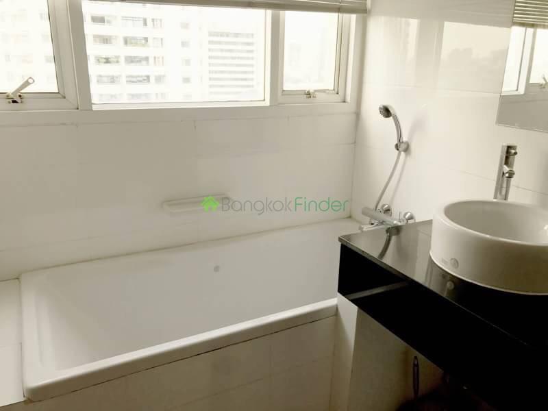 Nana,Bangkok,Thailand,2 Bedrooms Bedrooms,2 BathroomsBathrooms,Condo,Sukhumvit City Resort,19,5807