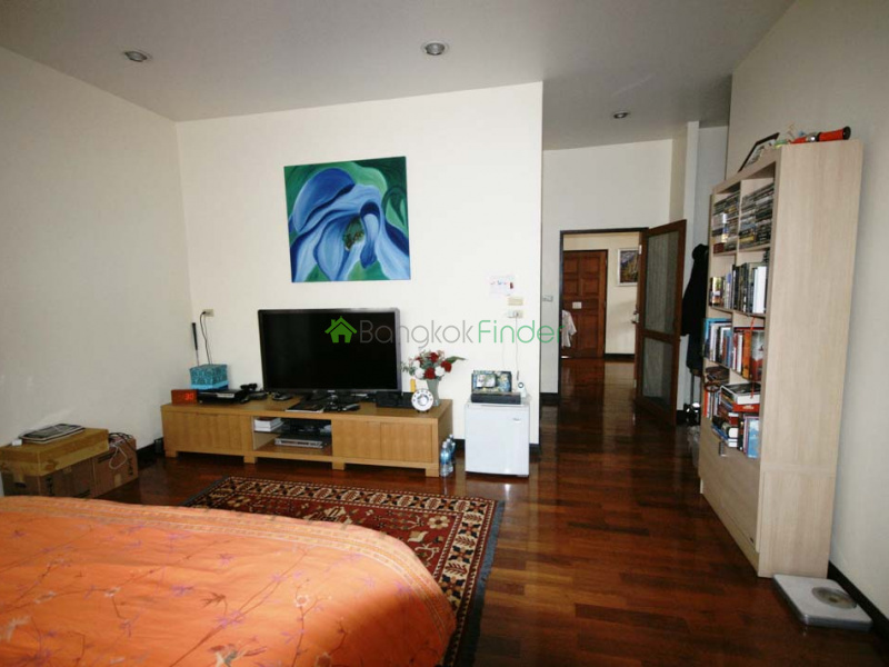 Ekamai- Bangkok- Thailand, 4 Bedrooms Bedrooms, ,4 BathroomsBathrooms,House,Rented,5816