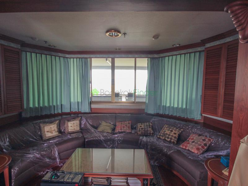 525 Khwaeng Bang Yi Khan, Bang Yi Khan, Bangkok, Thailand 10700, 3 Bedrooms Bedrooms, ,4 BathroomsBathrooms,Condo,For Rent,Rattanakosin View Mansion,Khwaeng Bang Yi Khan,5833