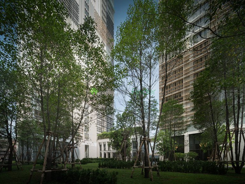 Park 24 is a condominium project, developed by Proud Real Estate, located at 45 Soi Sukhumvit 24, Khwaeng Khlong Tan, Khet Khlong Toei, Krung Thep Maha Nakhon 10110. Park 24 is currently under construction with completion planned in 2018. Condominium comprises of 2 buildings, having 51 floors and includes 837 units.