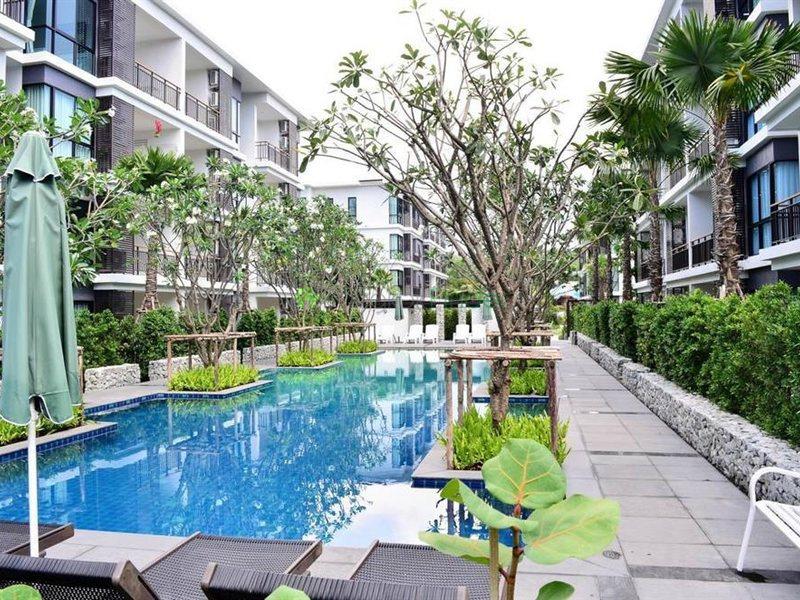 Bangkok,Mueang Phuket,Phuket,Thailand 83100,1 Bedroom Bedrooms,1 BathroomBathrooms,Condo Building,6440