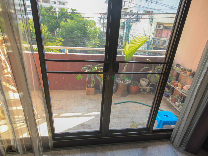 Rama VI, Soi 30, Phayathai, Ari, Aree-Phaholyothin, Thailand 10400, 2 Bedrooms Bedrooms, ,2 BathroomsBathrooms,Condo,For Sale,Phasuk Tower Condo,3,6454