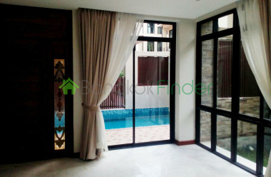 Sukhumvit,Phrom Phong,Thailand 10110,4 Bedrooms Bedrooms,4 BathroomsBathrooms,House,6472