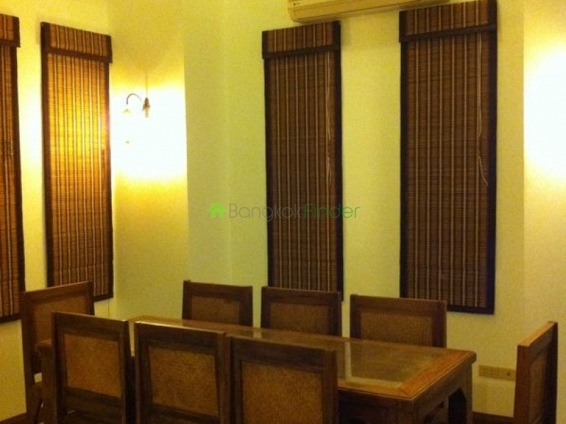 Sukhumvit 49, Phrom Phong, Thailand, 3 Bedrooms Bedrooms, ,3 BathroomsBathrooms,Town House,For Rent,6477