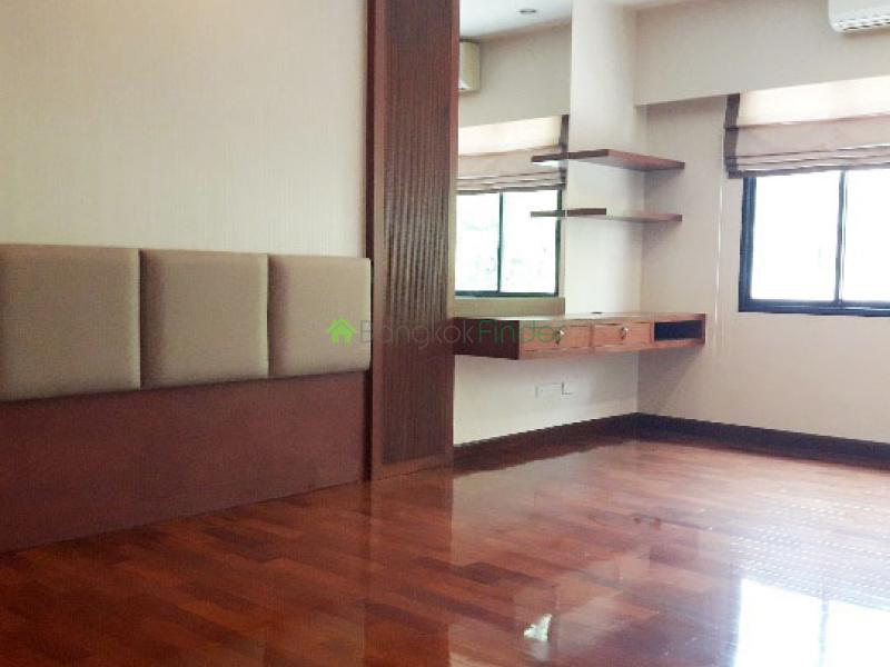 Sukhumvit 24, Bangkok, Thailand, 3 Bedrooms Bedrooms, ,4 BathroomsBathrooms,House,For Rent,6524