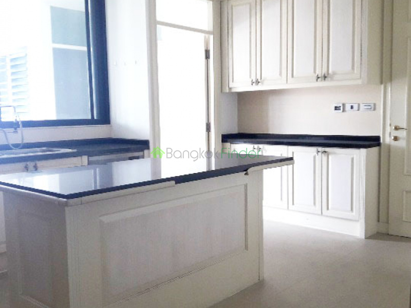 Phromphong, Bangkok, Thailand, 4 Bedrooms Bedrooms, ,4 BathroomsBathrooms,Apartment,For Rent,Ra,6526