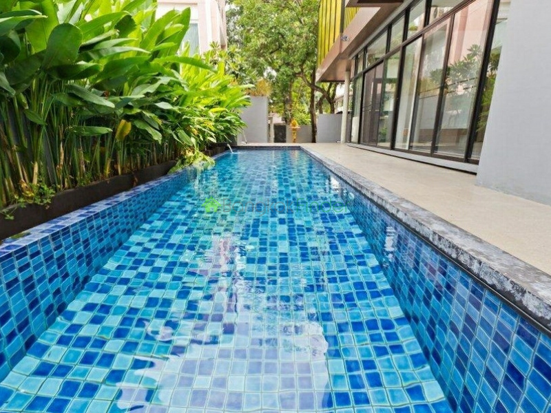Phrom Phong, Bangkok, Thailand, 3 Bedrooms Bedrooms, ,3 BathroomsBathrooms,House,For Rent,6550