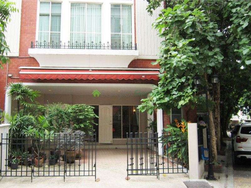 Thonglor, Bangkok, Thailand, 3 Bedrooms Bedrooms, ,3 BathroomsBathrooms,House,For Rent,6553