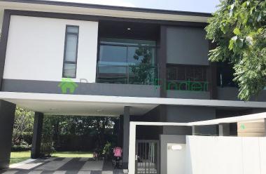 Ramkhamhaeng, Bangkok, Thailand, 3 Bedrooms Bedrooms, ,4 BathroomsBathrooms,House,For Sale,6556