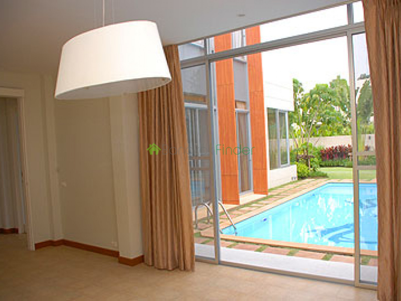 Phetburi, Bangkok, Thailand, 4 Bedrooms Bedrooms, ,4 BathroomsBathrooms,House,For Rent,6557