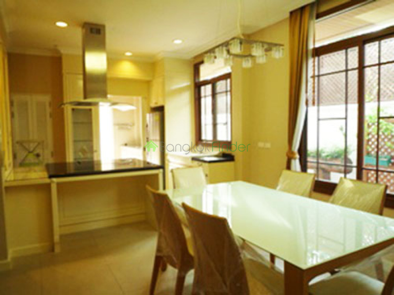 Pattanakarn, Bangkok, Thailand, 3 Bedrooms Bedrooms, ,4 BathroomsBathrooms,House,For Rent,6571