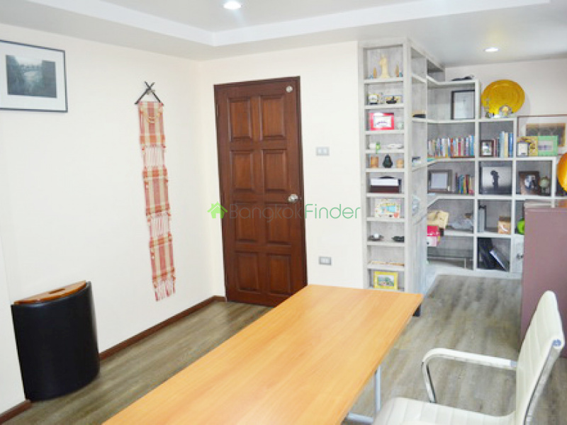 Sukhumvit 39, Phrom Phong, Thailand, 3 Bedrooms Bedrooms, ,4 BathroomsBathrooms,Town House,For Sale,6572