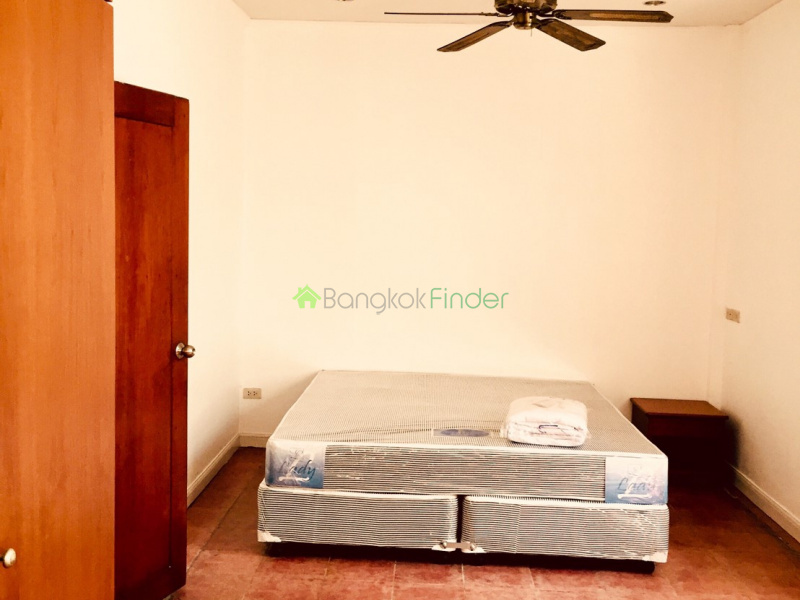 Thonglor, Bangkok, Thailand, 3 Bedrooms Bedrooms, ,3 BathroomsBathrooms,House,For Rent,6574