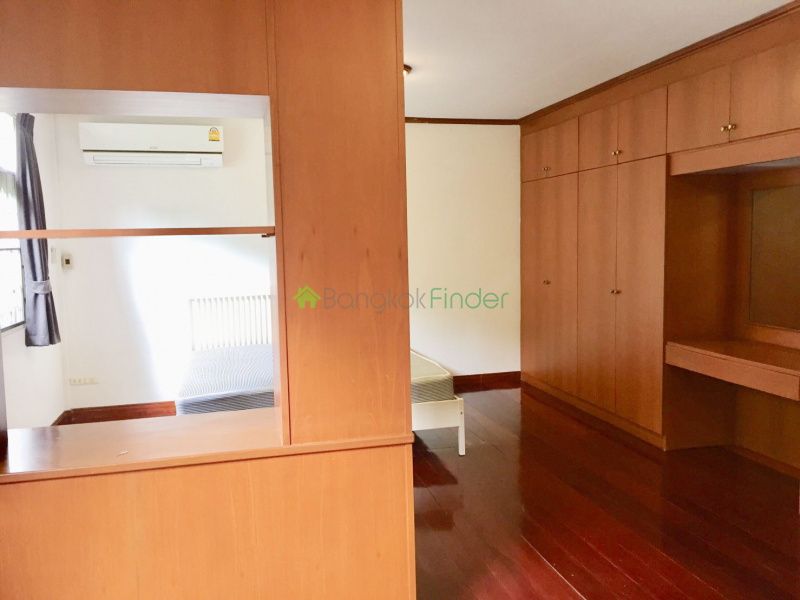 Thonglor, Bangkok, Thailand, 3 Bedrooms Bedrooms, ,3 BathroomsBathrooms,House,For Rent,6579