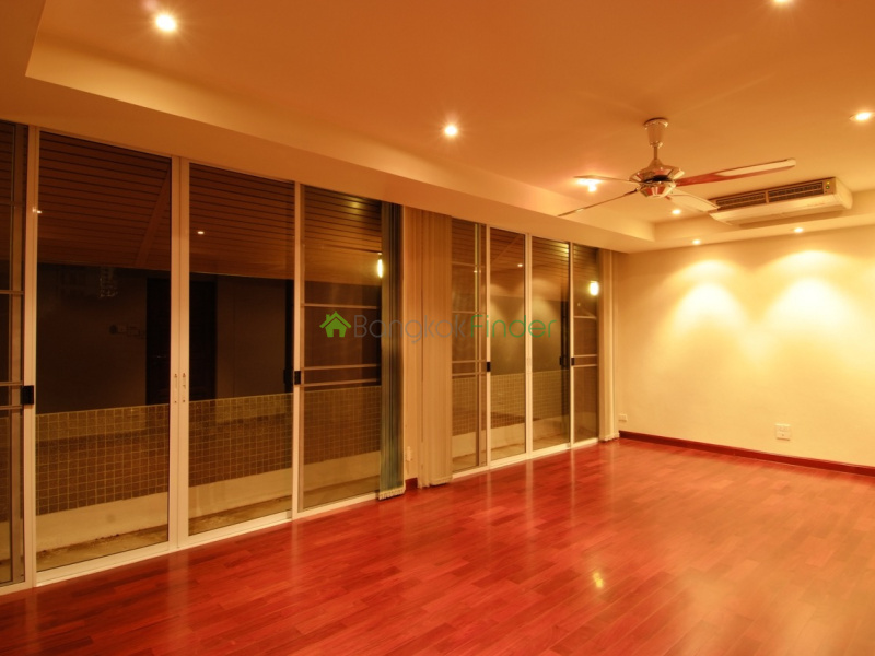 Thonglor, Bangkok, Thailand, 5 Bedrooms Bedrooms, ,5 BathroomsBathrooms,House,For Rent,6581
