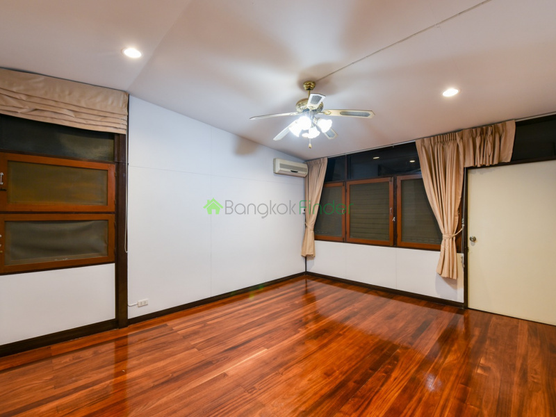 Thonglor, Bangkok, Thailand, 3 Bedrooms Bedrooms, ,3 BathroomsBathrooms,House,For Rent,6585