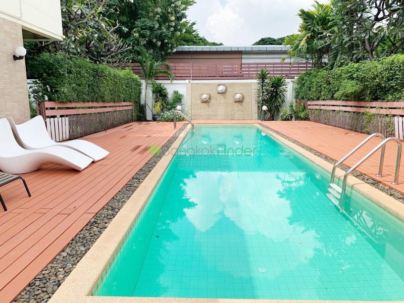 Sukhumvit, Bangkok, Thailand, 4 Bedrooms Bedrooms, ,4 BathroomsBathrooms,House,For Rent,6633