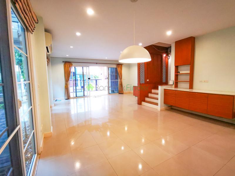 Ratchapruk, Bangkok, Thailand, 5 Bedrooms Bedrooms, ,5 BathroomsBathrooms,House,For Rent,6640