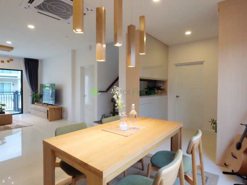 Pattanakan, Bangkok, Thailand, 4 Bedrooms Bedrooms, ,3 BathroomsBathrooms,House,For Sale,6642