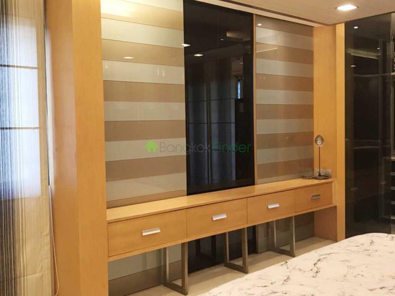 Silom, Silom, Thailand, 3 Bedrooms Bedrooms, ,2 BathroomsBathrooms,Condo,For Sale,Pearl Garden,6649