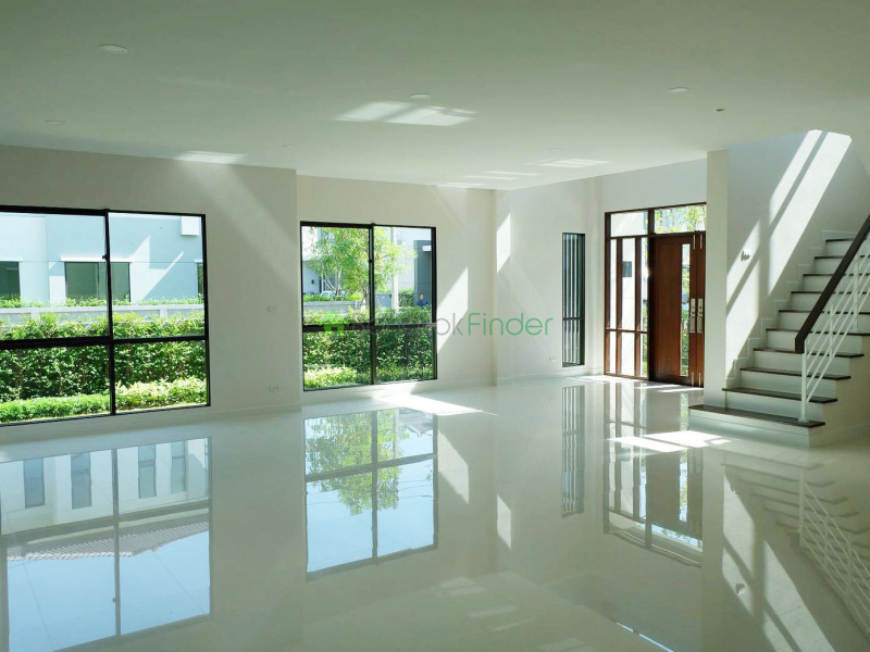 Pattanakran, Bangkok, Thailand, 4 Bedrooms Bedrooms, ,4 BathroomsBathrooms,House,For Sale,6671