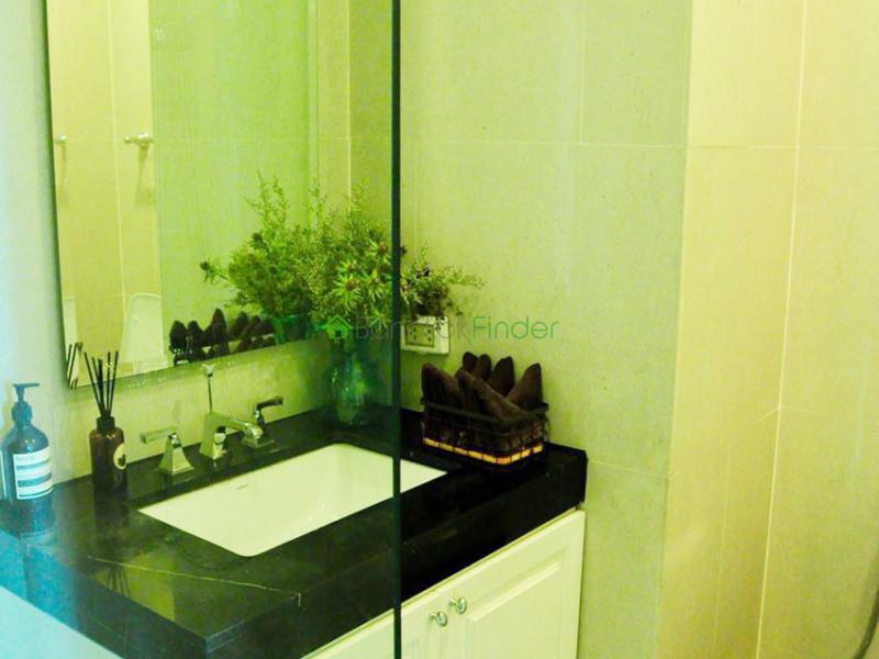 Phomphong, Bangkok, Thailand, 3 Bedrooms Bedrooms, ,3 BathroomsBathrooms,Condo,For Rent,Royce Resident,6673