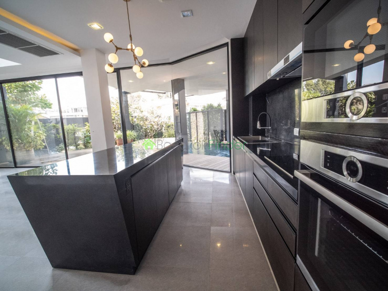 Phrakanong, Bangkok, Thailand, 5 Bedrooms Bedrooms, ,5 BathroomsBathrooms,House,For Sale,6692