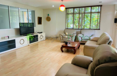 Phromphong, Bangkok, Thailand, 4 Bedrooms Bedrooms, ,3 BathroomsBathrooms,Town House,For Rent,6697