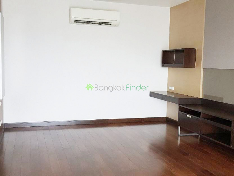 Ekamai, Bangkok, Thailand, 3 Bedrooms Bedrooms, ,4 BathroomsBathrooms,House,For Rent,6739