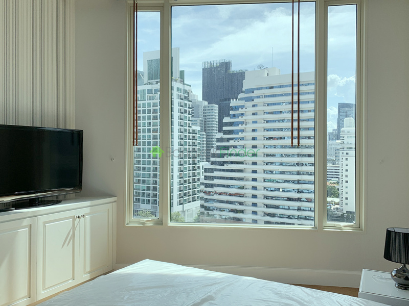 Phomphong, Bangkok, Thailand, 3 Bedrooms Bedrooms, ,3 BathroomsBathrooms,Condo,For Rent,Royce Resident,6760