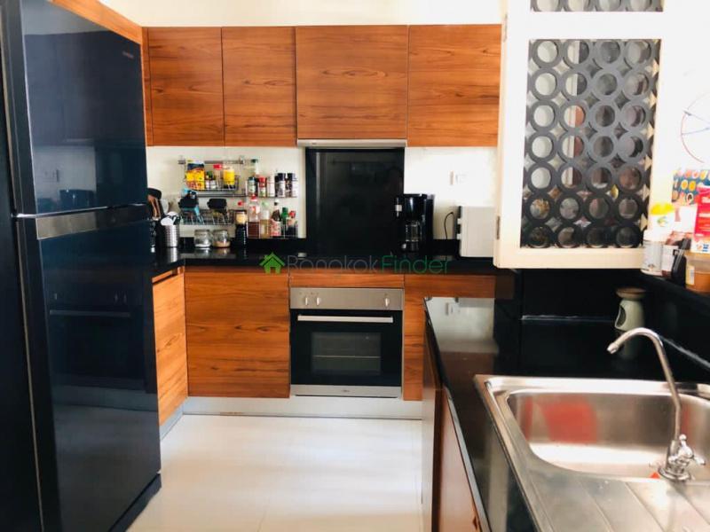 Asoke, Bangkok, Thailand, 3 Bedrooms Bedrooms, ,3 BathroomsBathrooms,Condo,For Rent,The Wind Sukhumvit 23,6811