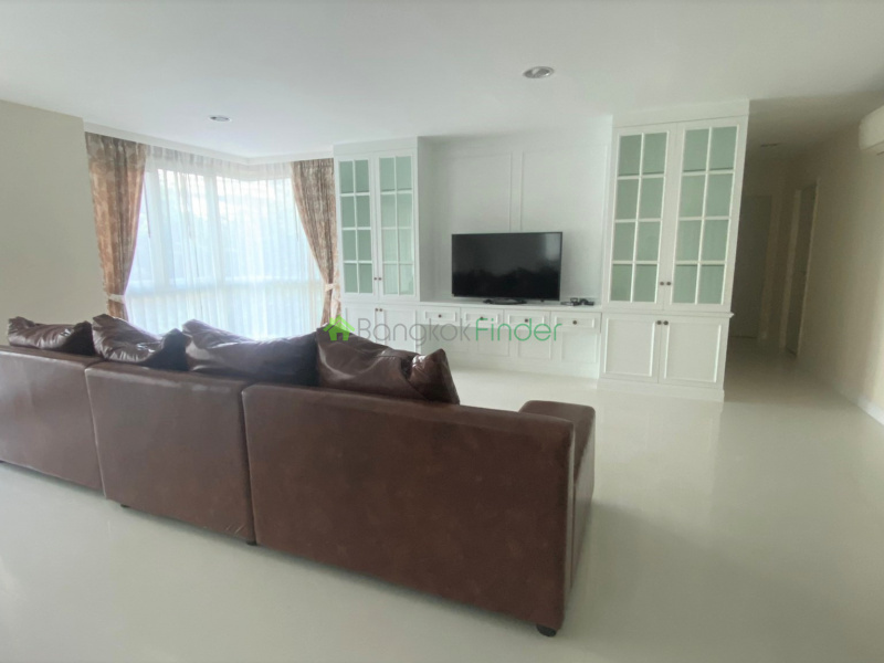 Phromphong, Bangkok, Thailand, 3 Bedrooms Bedrooms, ,3 BathroomsBathrooms,Condo,For Rent,The Crest 24,6812