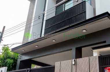 Ekamai, Bangkok, Thailand, 3 Bedrooms Bedrooms, ,4 BathroomsBathrooms,House,For Sale,6820