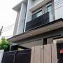 Ekamai, Bangkok, Thailand, 3 Bedrooms Bedrooms, ,4 BathroomsBathrooms,House,For Sale,6820