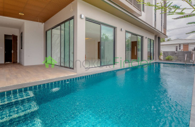 Ekamai, Bangkok, Thailand, 6 Bedrooms Bedrooms, ,7 BathroomsBathrooms,House,For Rent,6821