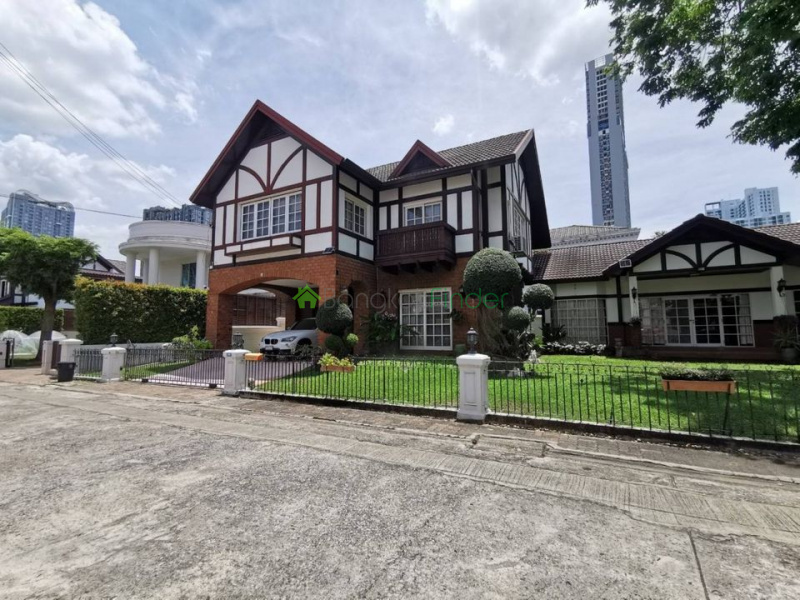 On Nut, Bangkok, Thailand, 4 Bedrooms Bedrooms, ,4 BathroomsBathrooms,House,For Sale,6861