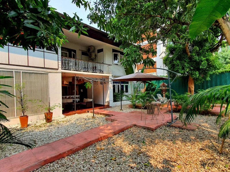 Nana, Bangkok, Thailand, 3 Bedrooms Bedrooms, ,3 BathroomsBathrooms,House,For Rent,6876