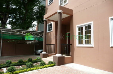 Phromphong, Bangkok, Thailand, 5 Bedrooms Bedrooms, ,6 BathroomsBathrooms,House,For Rent,6898